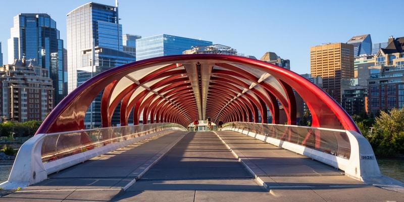 Calgary, Alberta, Canadá - Puente de la paz