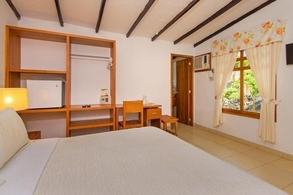 hotel fiesta puerto ayora isla santa cruz ecuador galapagos