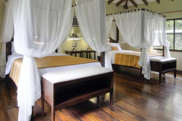 MANATUS HOTEL TORTUGUERO
