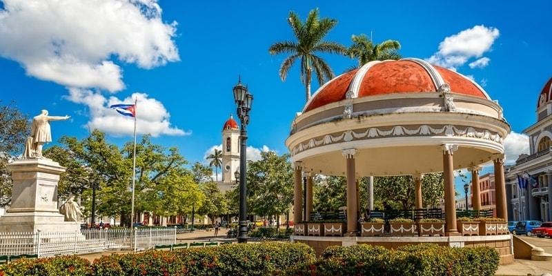 Parque Central Cienfuegos Jose Marti Palmeras Pabellon Edificios Historico