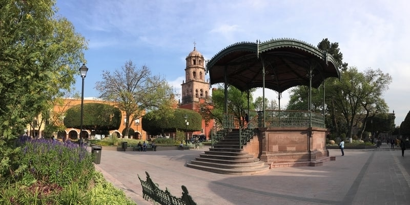 Querertaro centro de la ciudad y su kiosco mexico
