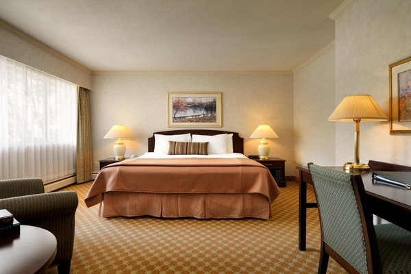 Royal Scot Hotel & Suites victoria canada