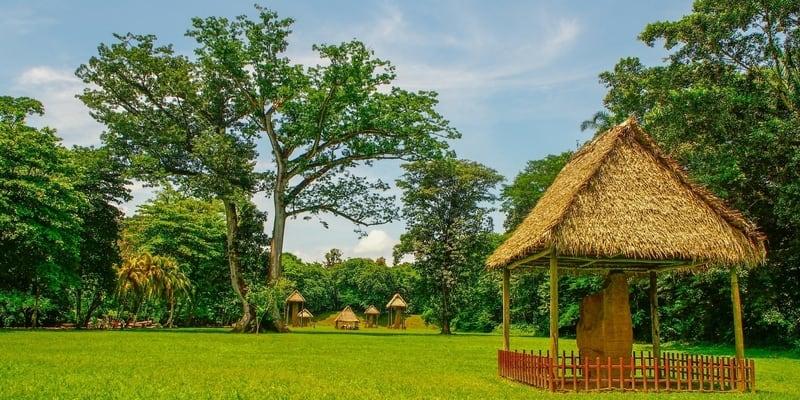 Sitio arqueológico de Quiriguá en Guatemala